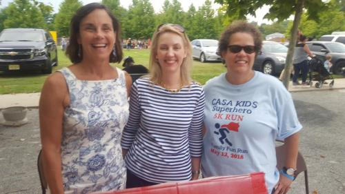Ewing2018Volunteer plus Katherine and Julie Poththoff