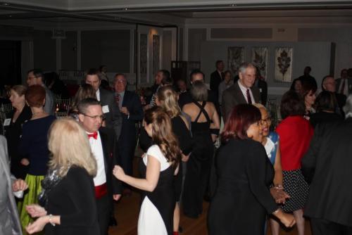 crowd dancing 4
